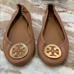Tan Tory Burch reva flats